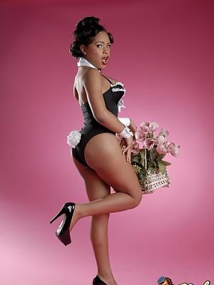 Hot Black TS Nody Nadia exposing her sweet hole