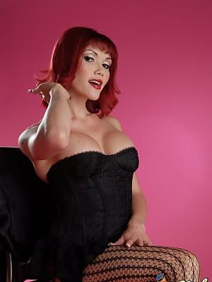 Hot T-girl Eva Lin posing her hot tempting body